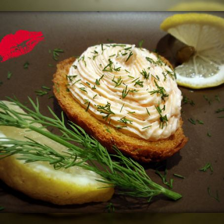Herbed Smoked Salmon Mousse Croute