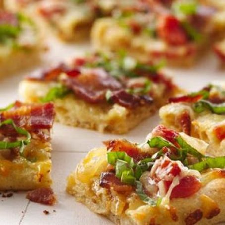 Caramelized Onion & Peppered Bacon Flatbread