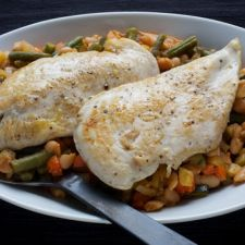 Chicken With Provençal White Bean and Vegetable Ragout