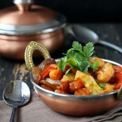 Vegetable Jalfrezi – Veggies in tangy smoky curry.
