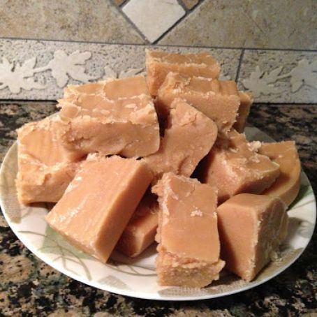 Peanut Butter Fudge (Easiest EVER)