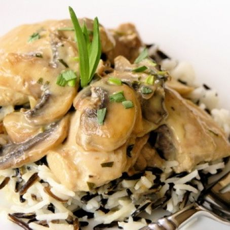Chicken In White Wine-Yogurt Sauce