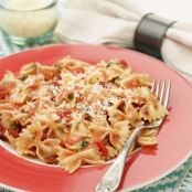 Quick Bowtie Pasta with Tomato and Roasted Red Pepper Sauce