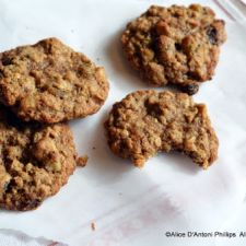 Chewy Oatmeal Date Raisin Cookies