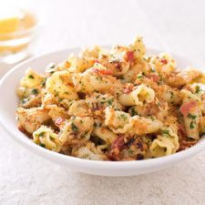 Pasta with Cauliflower, Bacon, and Bread Crumbs