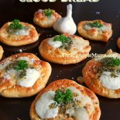 Low-Carb Cloud Bread with Garlic & Cheese