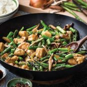 Ginger Chicken Stir-Fry with Asparagus and Shiitake Mushrooms