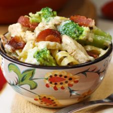 Bacon Lover's Chicken Alfredo with Fettuccine and Broccoli