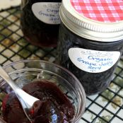 Easy Homemade Concord Grape Jelly