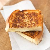 Grown-Up Grilled Cheese Sandwiches with Cheddar & Shallot