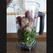 Lettuce, Banana and Strawberry Smoothie