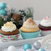 Gingerbread Cupcakes with Lemon Curd Filling and Whipped Cream Frosting