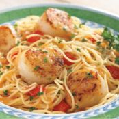 Scallops with Lemon Wine Sauce and Pasta
