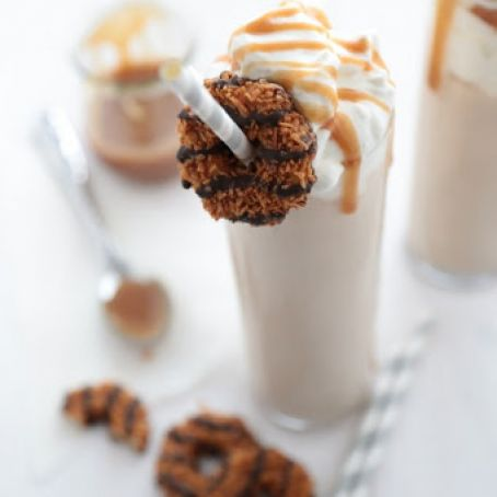 Samoas Cookies & Cream Coconut Milkshake