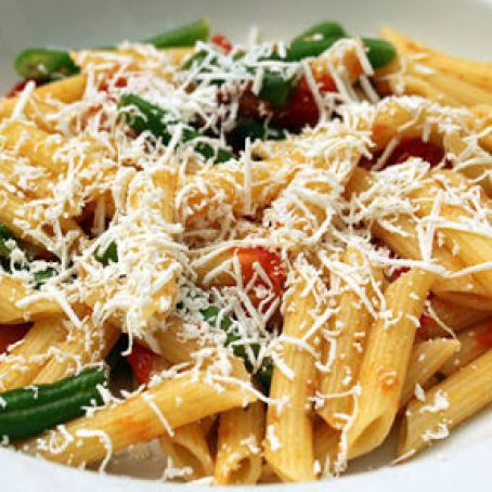 Penne and Green Beans with Tomato-Tarragon Sauce