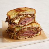 French Onion & Roast Beef Grilled Cheese Sandwich