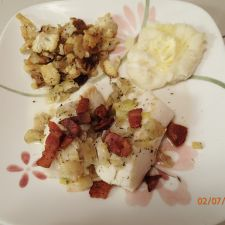 Cod roasted with bacon and leeks