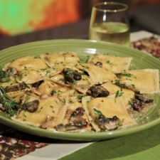 Cheese Ravioli with Garlic, Mushroom and Rosemary Sauce