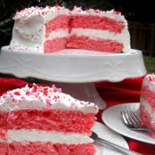 2-Ingredient Strawberry Cake