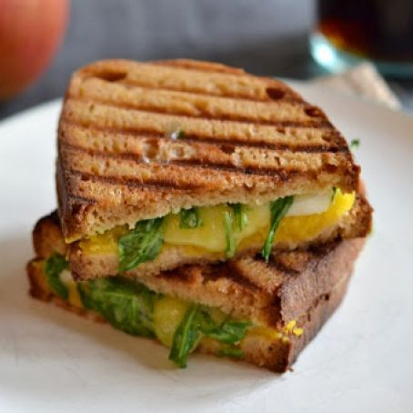 Grilled Cheese with Pumpkin, Apples and Cheddar