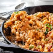 Lightened Up Buffalo Bacon Chicken Macaroni and Cheese