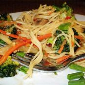 Thai Noodles With Spicy Peanut Sauce