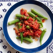 Steamed Okra with Tomato Vinaigrette
