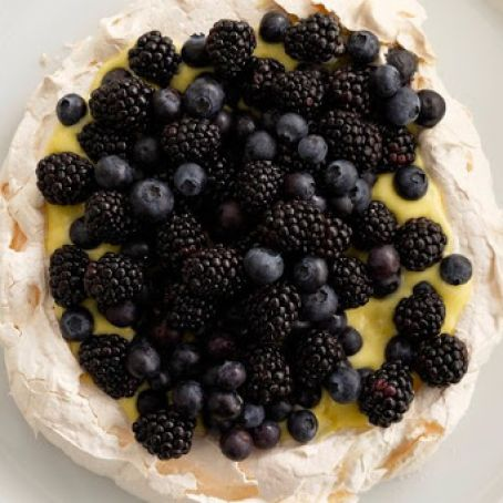 Pavlova with Lemon Curd & Berries
