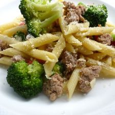 Penne with Turkey, Broccoli and Sun-Dried Tomatoes