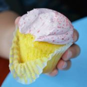 Lemonade Cupcakes with Raspberry Frosting