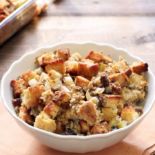 Buttery Beer Bread Stuffing with Sausage, Apple, & Mushroom