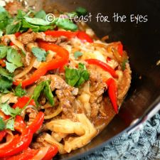 Quick Thai-Style Beef & Peppers with Rice Noodles