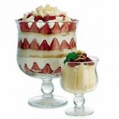 Strawberry-Mascarpone Trifle