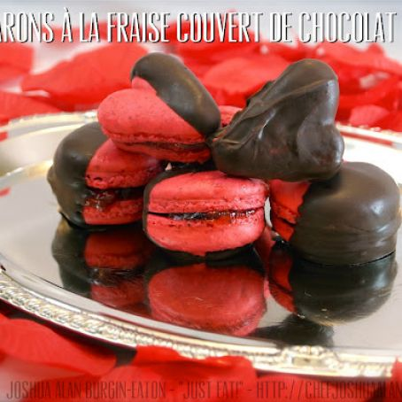 Macarons A La Fraise Couvert De Chocolat Chocolate Covered Strawberry Macarons Recipe 4 4 5
