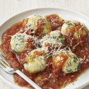 Spinach and Ricotta Dumplings in Tomato Sauce