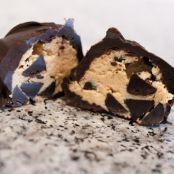 Low Carb Chocolate Chip Cookie Dough Balls