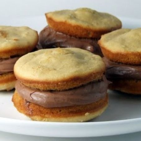 Peanut Butter Whoopie Pies with Nutella Cream Cheese Frosting