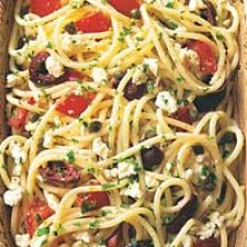 Spaghetti with Tomatoes, Black Olives, Garlic and Feta Cheese