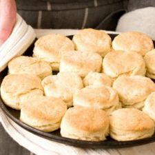 2-Ingredient Whipping Cream Biscuits
