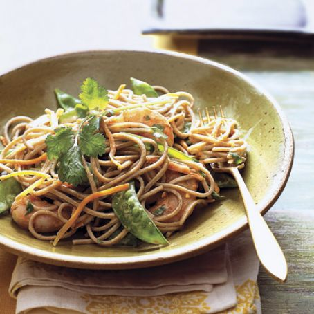Soba Noodles with Shrimp, Snow Peas, and Carrots