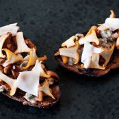Tapas: Sourdough Toasts with Mushrooms and Oysters