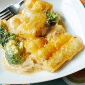 Crock Pot Chicken, Broccoli & Cheese Tater Tot Casserole