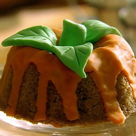 Mini Pumpkin Spice Cakes with Orange Glaze