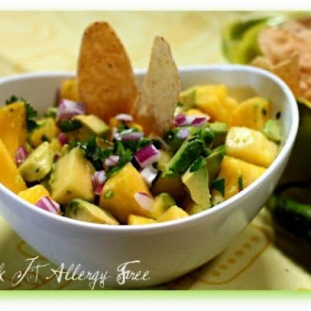 Easy Pineapple Avocado Summer Salsa