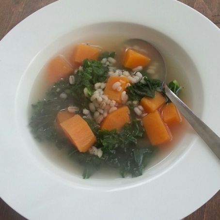 Super Easy 5-Ingredient Sweet Potato and Kale Soup