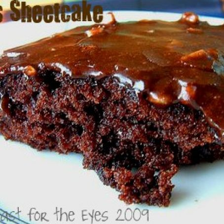 Texas Sheetcake Aka The Pioneer Woman S Best Ever Chocolate Sheet Cake Recipe 4 5 5