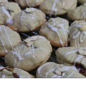 Sandi's Almond & Raspberry Filled Mojo Cookies