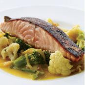 Salmon with Gingery Vegetables and Turmeric