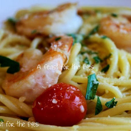 Spaghetti Aglio E Olio With Shrimp and Garden Fresh Tomatoes