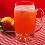 All-Natural Strawberry Lemonade